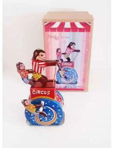 Monos Circus
